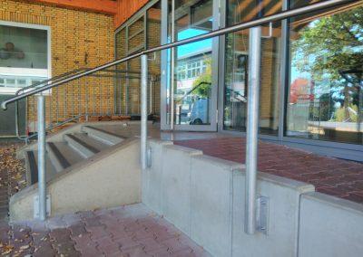 Geländer an Rollstuhlrampe Grundschule Kirchheimbolanden